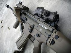 FN SCAR-L / MK16 with AN/PEQ-15 and ELCAN SpecterDR