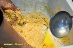 Αφράτα και πεντανόστιμα τσουρέκια! Σας δίνουμε την συνταγή με φωτογραφίες βήμα βήμα αλλά και βιντεάκια. Τα μικρά tips θα βοηθήσουν ακόμη και τις αρχάριες!
