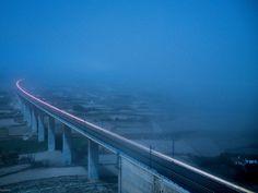 Train fighting fog by Héctor Izquierdo Bartolí on 500px