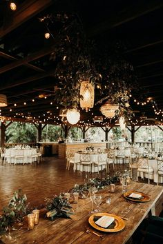 Getting married in Florida is a good choice.This is why we sat down and picked out the very best and prettiest Florida Wedding Venues for you. - Florida Wedding Venues - The Very Best Places In The Sunshine State Wedding Goals, Wedding Planning, Wedding Day, Winter Wedding Venue, Rustic Wedding Reception, Unique Wedding Venues, Wedding Receptions, Indoor Wedding Venues, Blue Wedding
