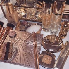 Shared by ♔ⓜⓟⓘⓝⓚ♔. Find images and videos about pink, beauty and makeup on We Heart It - the app to get lost in what you love. Rose Gold Aesthetic, Classy Aesthetic, Aesthetic Makeup, Angel Aesthetic, Make Up Kits, Makeup Goals, Makeup Inspo, Skin Makeup, Makeup Brushes