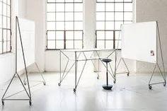 Höhenverstellbare Steh Sitz Tische Bereichern Die Ergonomische  Bürolandschaft Und Bringen Bewegung Ins Arbeitsleben. Wir Stellen Die  Besten Exemplare Vor.