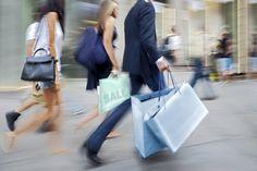 Será que deixamos de satisfazer nossos desejos? http://www.eusemfronteiras.com.br/o-consumismo-nosso-de-cada-dia/?utm_content=buffer7ea66&utm_medium=social&utm_source=facebook.com&utm_campaign=buffer #eusemfronteiras #consumismo #autoconhecimento #mente #corpo #dinheiro