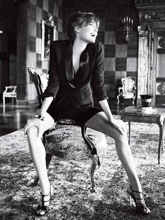 「涙は何も生まない」アンジェリーナ・ジョリーの強く美しく生きるヒントをくれる名言 | SELECTY