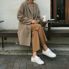 modest wear, hijab, minimal, monochrome, street style, autumn-winter, spring-summer, neutral, smart casual, oversized