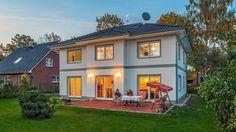 Stadtvillen | Villa Lugana (Putzfassade), Abendstimmung auf der Terrasse
