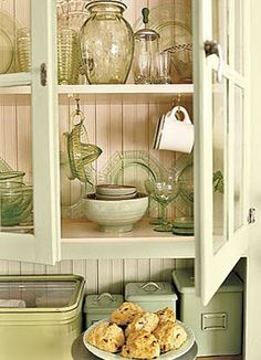 Cute country cabinet Country Style Chic: A Country Style Kitchen