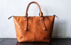 Leather shoulder Bag CarryAll Laptop MacBook by SunriseNomad
