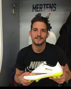 Il mio folletto Dries Mertens, Number 14, Male Face, Soccer Players, Fifa, Faces, Hot, Sports, Football Players