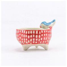 Mini Bowl de cerámica roja con pintitas blancas y pajarito - Usá el hashtag #MiTiendaNube cuando pinees tu productos desde tu tienda para que podamos destacarlo en nuestra cuenta de Pinterest.