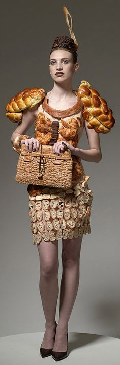5 edible fashion pieces created by Ted Sabarese. Had you even considered dressing up as bread?