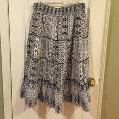 Style&eco. Blue/white, medium, elastic waist skirt Style & co., blue/white, elastic waist band, skirt! No rips, stains! Perfect condition! Perfect for spring/summer! Dress up or down! Very flattering! Style & Co Skirts A-Line or Full