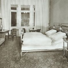 Hotel room in 1914 - Art Deco Imperial Hotel Prague
