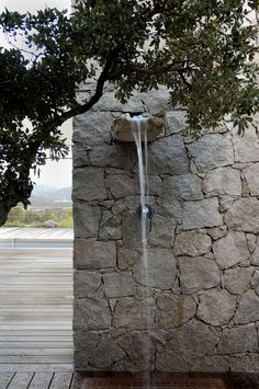 Stone wall water feature, could be put into anysizewall Outdoor Baths, Outdoor Bathrooms, Outdoor Rooms, Outdoor Gardens, Indoor Outdoor, Outdoor Living, Outside Showers, Outdoor Showers, Landscape Design