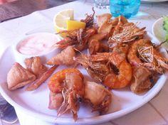 Creveti si fructe de mare Homemade Food, Delicious Food, Shrimp, Seafood, Restaurant, Meat, Recipes, Sea Food, Yummy Food