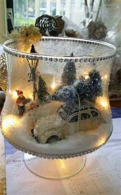 Discover 9 Christmas Decorations That are Great for Your Home! Binezr : Discover 9 Christmas Decorations That are Great for Your Home! Christmas Garden Decorations, Christmas Craft Projects, Christmas Lanterns, Christmas Centerpieces, Shelf Decorations, Fun Projects, Holiday Decor, Woodland Christmas, Rustic Christmas