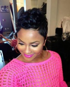 Short Pixie Haircuts for African American Women.Toni Braxton always looks good with a pixie cut hairstyle Cute Short Haircuts, Cute Hairstyles For Short Hair, Pixie Hairstyles, Curly Hair Styles, Natural Hair Styles, Black Hairstyles, Layered Hairstyles, Short Sassy Hair, Short Hair Cuts