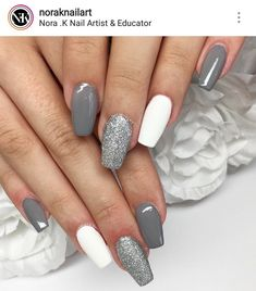 Nail art Christmas - the festive spirit on the nails. Over 70 creative ideas and tutorials - My Nails Grey Acrylic Nails, Summer Acrylic Nails, Grey Gel Nails, Fall Gel Nails, Simple Acrylic Nails, Gold Nail Art, Winter Nails, Summer Nails, Stylish Nails