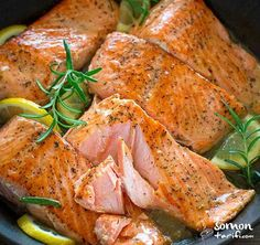 Lemon Rosemary Salmon Pan Recipe- Limonlu Biberiyeli Somon Tava Tarifi Lemon Ro… – Atıştırmalıklar – Las recetas más prácticas y fáciles Baked Salmon Recipes, Lemon Recipes, New Recipes, Healthy Recipes, Bread Recipes, Shellfish Recipes, Seafood Recipes, Fried Salmon, Salmon Fillets