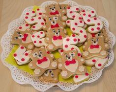 Festa a tema Masha e Orso_biscotti Gingerbread Cookies, Desserts, Food, Party, Gingerbread Cupcakes, Tailgate Desserts, Deserts, Essen, Postres