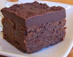 Brownie al triple chocolate mmmmm Just Desserts, Delicious Desserts, Dessert Recipes, Yummy Treats, Sweet Treats, Brownie Recipes, Chocolate Desserts, Chocolate Ganache, Dessert Bars