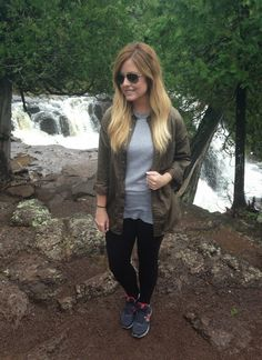 what to wear on a hike on gussied up blog #hike #bloggerstyle
