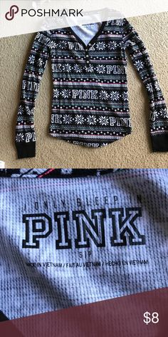 ❄️Printed VS PINK Top This is a size Small sleep tee from Victoria's Secret PINK!! Although it says it's a sleep tee, I wore it with jeans out a couple times. The pattern is black and white snowflakes with PINK printed throughout. Button up V-neck design with pink and green stripes horizontally down the shirt. This shirt is in beautiful condition! PINK Victoria's Secret Tops Tees - Long Sleeve