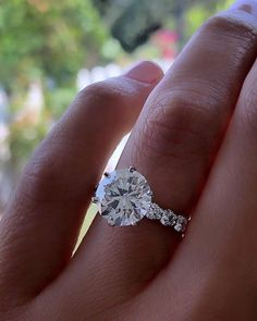 42 Top Round Engagement Rings: Best Rings Ideas %%page%% %%sep%% %%sitename%% Selfies, Round Cut Engagement Rings, Rings Cool, Or Rose, Wedding Bands, Jewels, Diamond, Proposals, Frilly Knickers