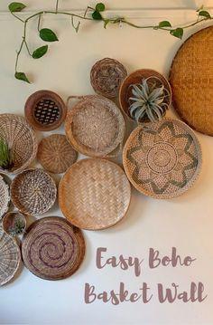 how to create and install a basket wall Boho Living Room, Living Room Decor, Bohemian Wall Decor, Rustic Wall Decor, Baskets On Wall, Wall Basket, Basket Decoration, Create, Living Room Designs