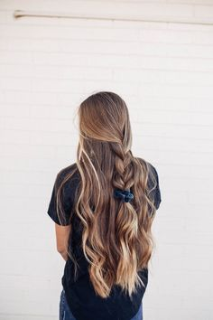 To express a cool looking of your hair, you can attempt these nine choices. That… To express a cool looking of your hair, you can attempt these nine choices. That implies these hairdos are giving you a fresh idea in… Continue Reading → Pretty Hairstyles, Hairstyles For Summer, Scrunchy Hairstyles, Hairstyle Ideas, Quick Easy Hairstyles, Casual Braided Hairstyles, Summer Hairdos, Alternative Hairstyles, Lazy Hairstyles