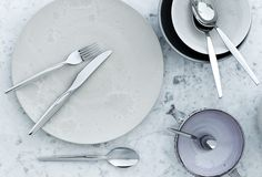 Gense Twist cutlery designed by Gense in 191212 is for people with modern taste. Twist is no classic cutlery pattern but a trendy and sleek design. The captivating and decorative twist and turn of the handle is a trademark of Twist cutlery. This stylish decoration addss intrigue to the table as well as being balanced to fit comfortably in the hand. Twist cutlery is perfect for the modern table, either for day-to-day use or for special occasions.