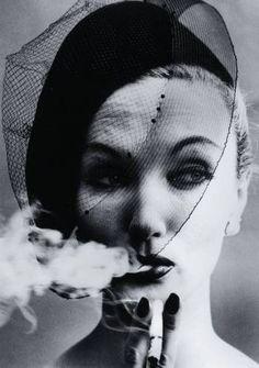 William Klein, Smoke and Veil, VOGUE, 1958