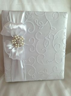 Beautiful White Taffeta Wedding Photo Album by PhotoAlbumsbyNancy, $50.00