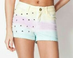 Bershka shorts. I want it!!