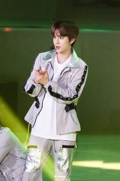 Jungwoo on stage Pops Concert, Jung Woo, Winwin, Taeyong, Jaehyun, Nct Dream, Nct 127, Philippines, Kpop