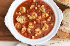 Kijk wat een lekker recept ik heb gevonden op Allerhande! Tomatensoep met garnalen en kikkererwten