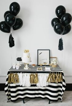 Black Gold Party A black and white party is one of the best new years eve party theme ideas! - Here are some of the best New Years Eve party theme ideas for adults who love food, games, party favors, themes, and more! White Bridal Shower, Gold Bridal Showers, Birthday Table, Birthday Parties, Gold Birthday, 20th Birthday, Birthday Favors, Tea Parties, Party Favors