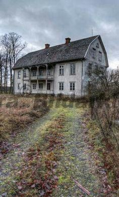 Check out this selection of some of the most haunting yet beautiful abandoned places on earth! Every place has it's own unique charm and as nature slowly Abandoned Buildings, Abandoned Property, Old Abandoned Houses, Abandoned Castles, Old Buildings, Abandoned Places, Spooky Places, Haunted Places, Old Mansions
