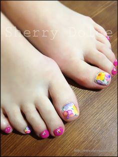 very cute--- cant wait till spring Pedicure Designs, Pedicure Nail Art, Toe Nail Designs, Toe Nail Art, Nail Nail, Fancy Nails, Love Nails, Pink Nails, Pretty Nails