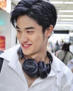 Hot Asian Men, Asian Boys, Thai Drama, Muscular Men, Cute Actors, Asian Actors, Boyfriend Material, Your Smile, Actors & Actresses