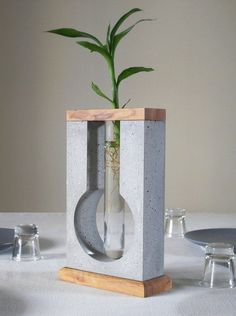 Table concrete vase for minimal flower, concrete sculpture vase table decor, centre piece decor glass tube flower holder, girlfriend gift - veganfunnelcake Beton Design, Concrete Design, Concrete Crafts, Concrete Projects, Decoration Table, Vases Decor, Diy Christmas Decorations, Round Glass Vase, Concrete Sculpture