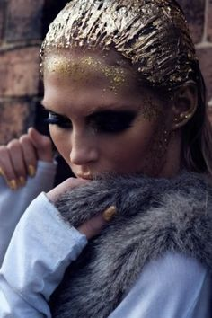 Love deep smoked out shadow slicked hair with gold leaf. Love love love