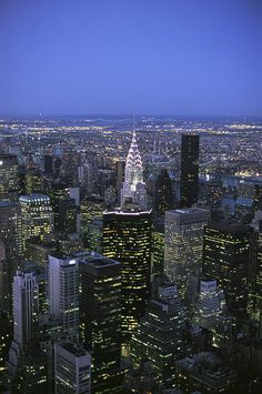 ✭ Night View Of The Manhattan Skyline