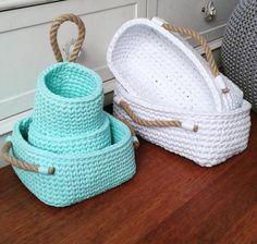 Super Ideas For Kitchen Diy Sewing Storage Crochet Bowl, Crochet Basket Pattern, Love Crochet, Diy Crochet, Crochet Crafts, Crochet Projects, Crochet Patterns, Crochet Baskets, Crochet Poncho