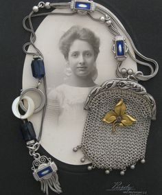 A stunning antique sterling silver mesh coin purse adorned with a French antique art nouveau brooch, delicately hangs from the most beautiful sterling Jewelry Crafts, Jewelry Art, Vintage Jewelry, Jewellery, Coin Purses, Wire Weaving, Jewel Box, Close To My Heart, Dragonflies