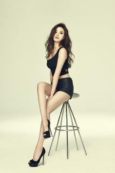 im jin ah nana Beautiful Asian Women, Beautiful Legs, Female Pose Reference, Modelos Fitness, Chica Fantasy, Female Poses, Sexy Asian Girls, Asian Fashion, Sexy Legs