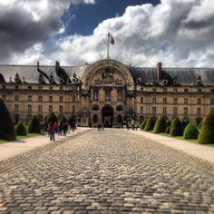 Hôtel National des Invalides / Napoleon's Tomb in Paris, Île-de-France  Top Ten Sights [1000 places to see before you die]