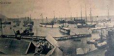 Antiguos almacenes del puerto de La Guaira, exactamente en el sector el pozo del puerto de La Guara. Circa 1920-1930.