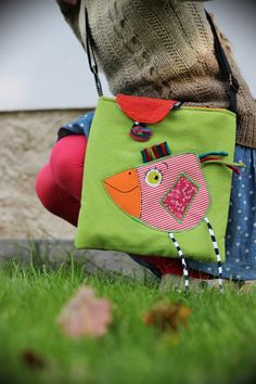 HAHA adorable applique'd 3D bird bag - inspiration ... and more photos @ linked page :)