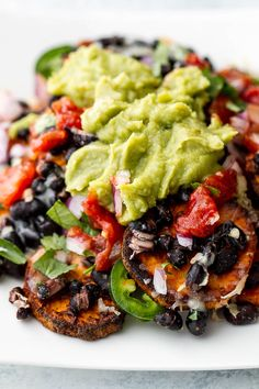 Healthy Meal Prep Recipes To Help You Lose Weight Sweet Potato Nachos, Loaded Sweet Potato, Vegetarian Recipes Easy, Vegetarian Mexican, Healthy Recipes, Healthy Dishes, Healthy Meal Prep, Easy Weekday Meals, Food Print